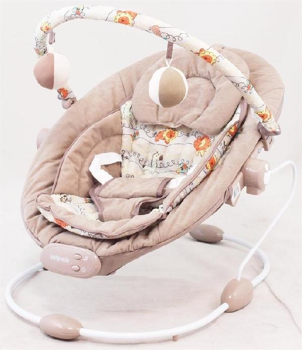 Baby-mix  rezgő, zenélő pihenőszék Latte